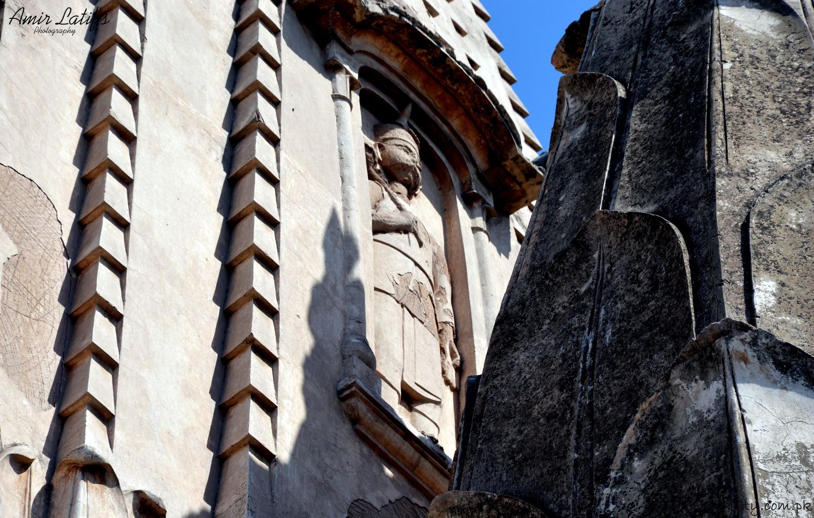 05-statue